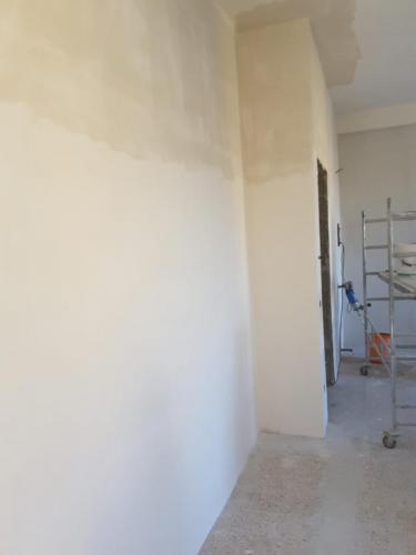 preparazione pareti con stucco doppio e fine